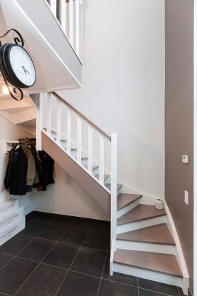 une maison pleine d astuces thomas piron. Black Bedroom Furniture Sets. Home Design Ideas